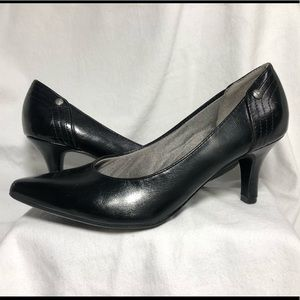 Life Stride Soft System - black pumps, size 8.5M